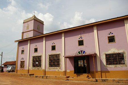 The purple church in Kade, Ghana, where Worldreader staff were welcomed by community members whose children later participated in iREAD