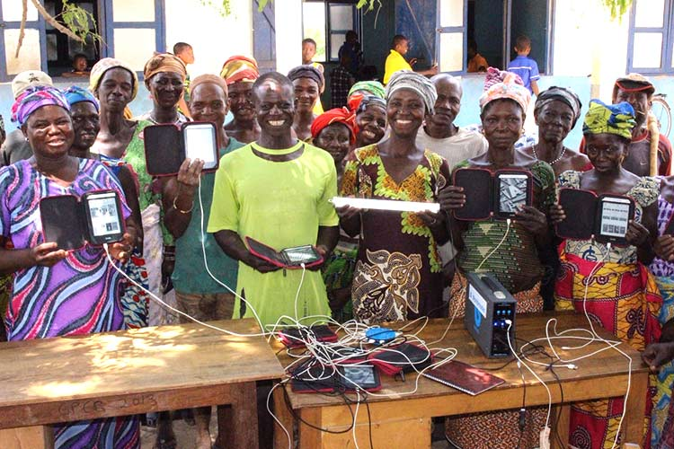 solar-energy-launch-by-worldreader