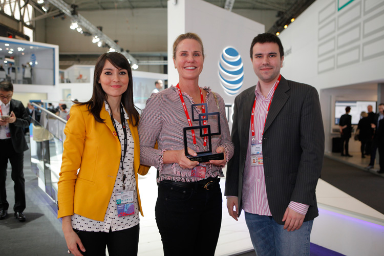 worldreader and opera accept their award for best mobile app in education at the glomo awards