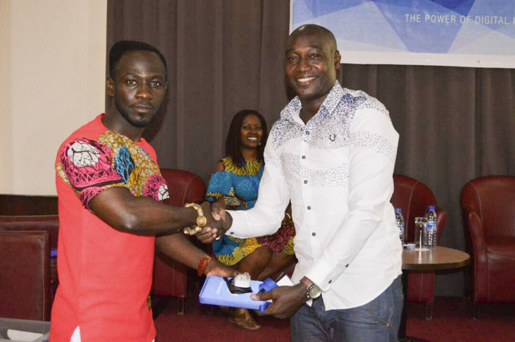 okyeame kwame at the worldreader digital reading summits