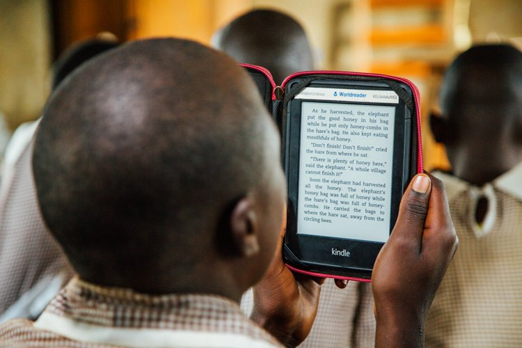 student reading on worldreader library on amazon kindle