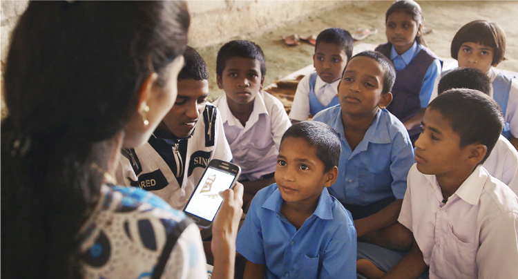 worldreader helps adults read to children on mobile phones